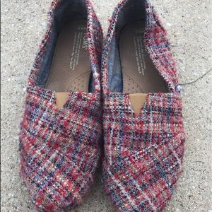 Adorable Red Houndstooth Toms